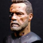 Trabajando busto Terminator